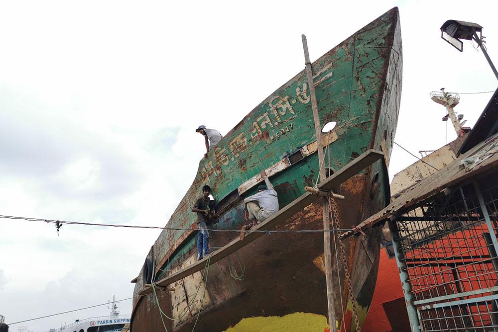 ダッカ 船の解体