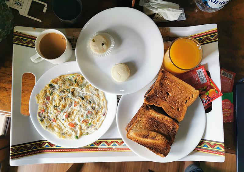 コルカタ ホテル 朝食