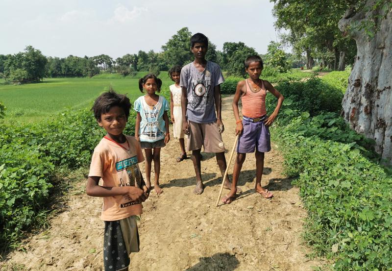 インド 田舎の子供